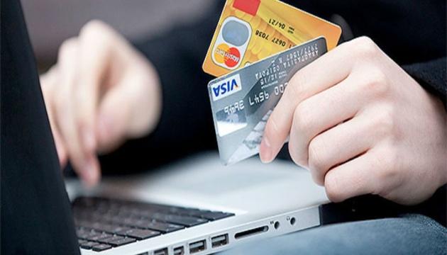 Бізнесменам на замітку: податкова перевірятиме оплати на картку приватних осіб