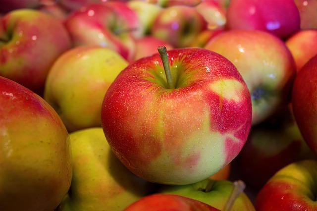 Ціна яблук в Україні цього року: експертний прогноз